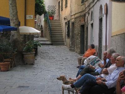 Piazza in Corniglia