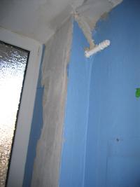Rohr und Wand geflickt