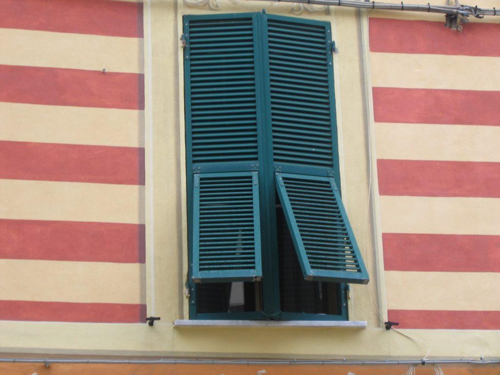 Fensterladen in Monterosso
