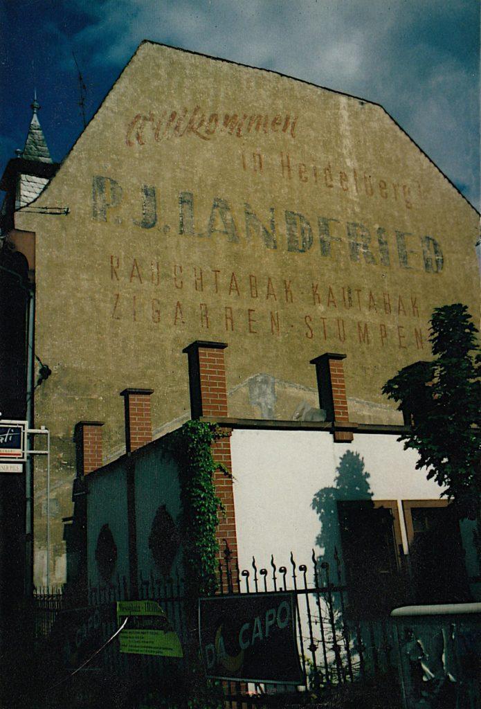 Fassadenwerbung der Landfried Zigarrenfabriken in Heidelberg